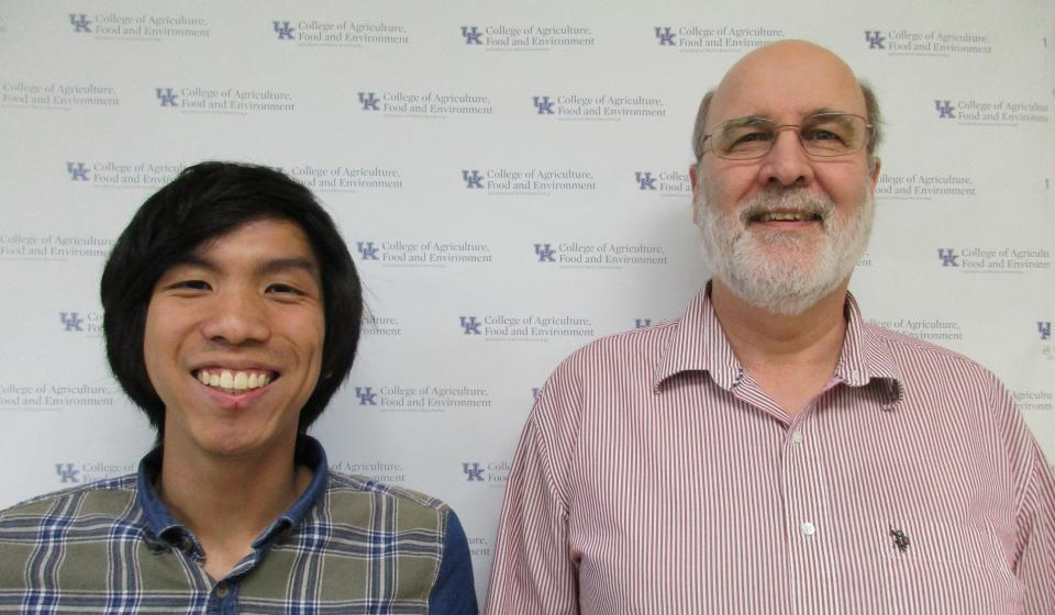 Josiah Liew Liq Jong, Spring 2018 recipient of the Glenn B. Collins Award and his mentor, Dr. Authur Hunt.